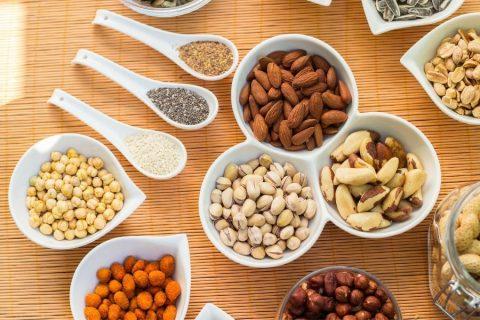 Noten en zaden bevatten fyto-oestrogenen